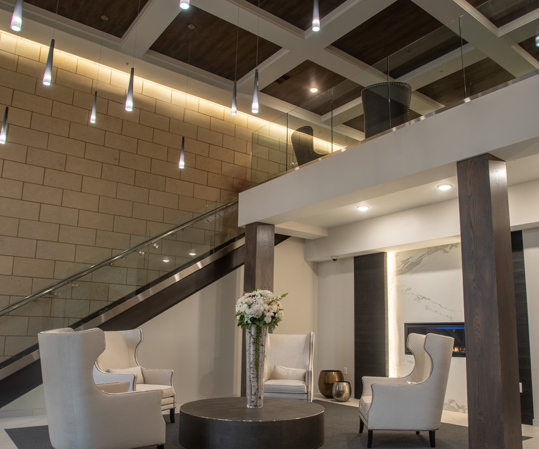 Reserve at Mendota Heights lobby